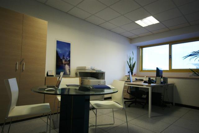 Ufficio Di Lavoro Trento : Aries trento uffici arredati uffici temporanei a trento spazi