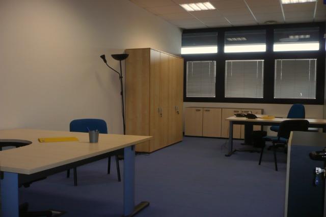 Uffici arredati modena uffici temporanei modena affitto for Affitto ufficio temporaneo