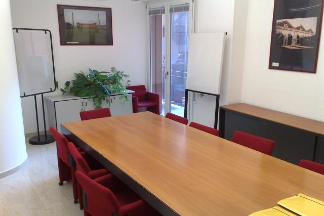 Daily office bologna centro direzionale bologna uffici for Uffici arredati bologna