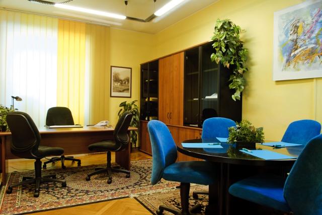 World service information milano world service piazza iv for Uffici arredati
