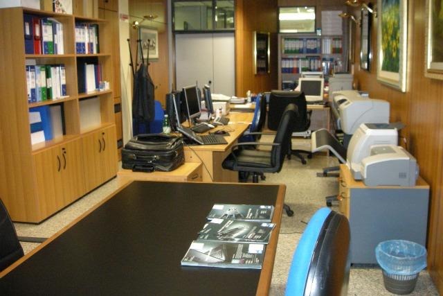 Centro uffici immobiliare carletto uffici arredati roma for Ufficio arredato