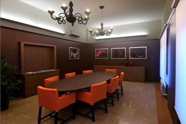 cliente uffici arredati, le sale riunioni sono perfette per riunioni ...