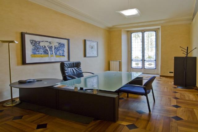 Uffici torino terrazza solferino uffici arredati torino for Ufficio arredato