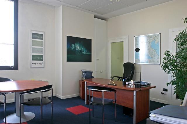 Ufficio A Verona : Ufficiarredati verona uffici temporanei verona temporary office