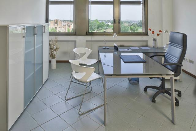 Easy office bologna arcoveggio fiera noleggio sale for Uffici arredati bologna