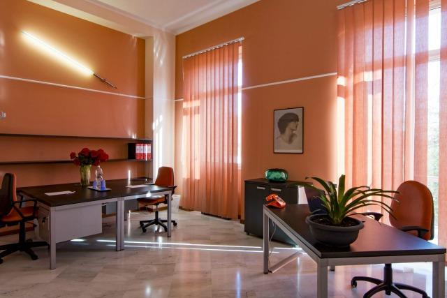 Scrivanie Ufficio Novara : Scrivanie usato images scrivanie ufficio usate mobili