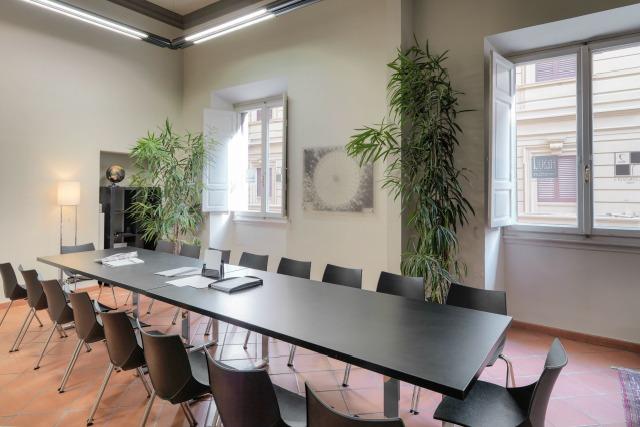 Sale Riunioni Firenze : Uffici arredati firenze centro ufficio temporaneo firenze