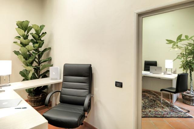 Uffici arredati firenze centro ufficio temporaneo firenze for Uffici arredati